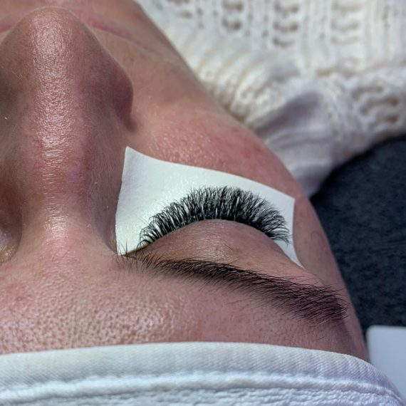Eyelashes Extensions Training